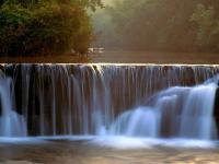 beautiful_fall_river_-_computer_wallpaper_pictures_1600x1200_t1.jpg